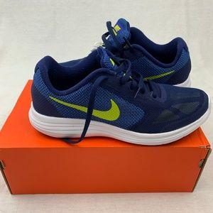 Nike Revolution 3 Grade School Boys Shoes Sz 6 New